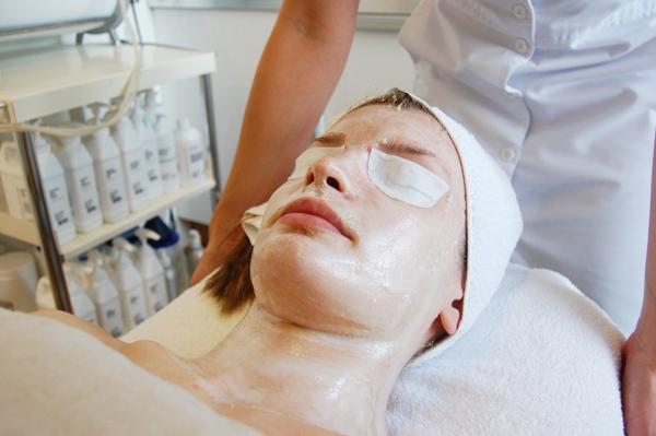 Hudvård - enzym behandling Göteborg